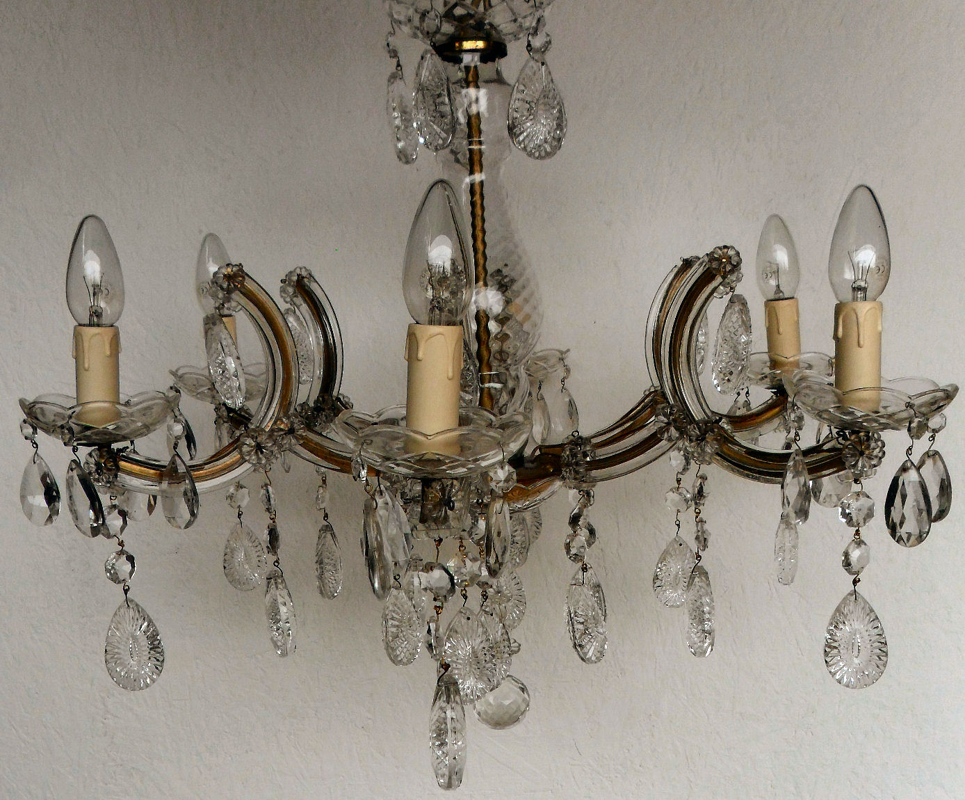 6 arm marie therese vintage chandelier with starburst crystal and centre ball